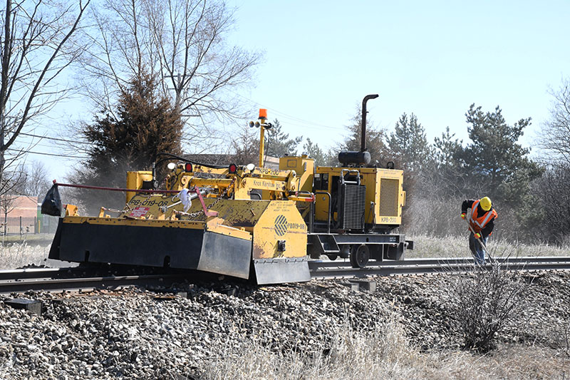 Next, A Long And Low Broom Machine Sweeps The Ballast Back Over The Ties  And A Tamper Comes To Pack The Rocks Under The New Ties. Tie Plates Are  Then Put In ...